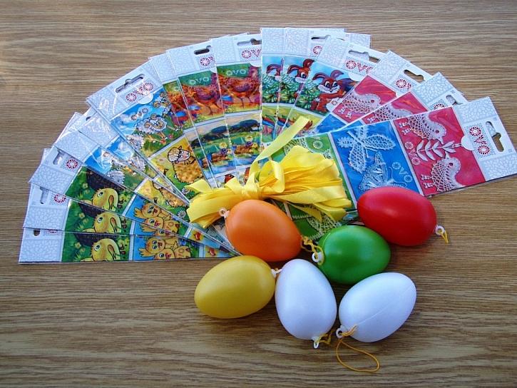 Zdobení plastových vajíček obtisky OVO