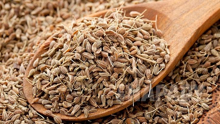 7 druhů koření na podporu hubnutí:  kmín kořenný (Carum carvi)