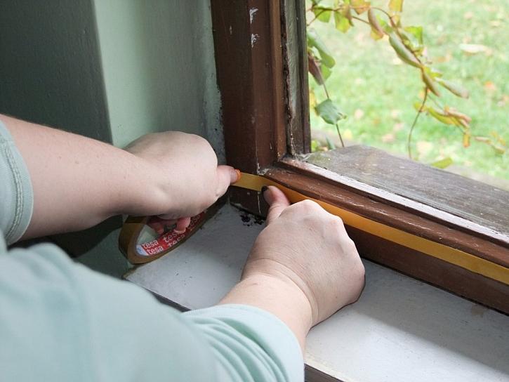 Zateplením oken s folií od tesa–tapeušetříte náklady na topení II. - testujeme za vás