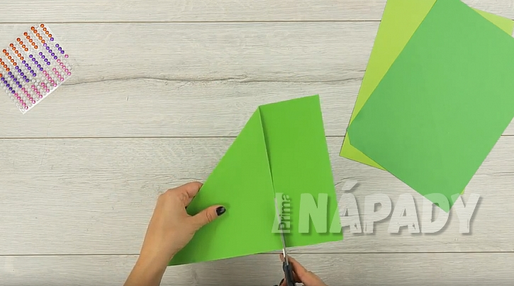 Složte papír do cípu
