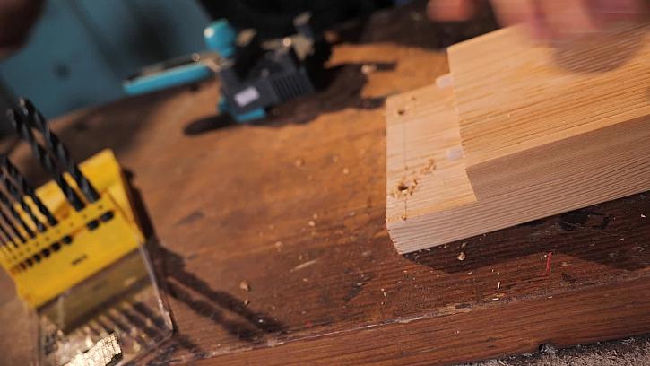 Spojování dřeva na kolíky