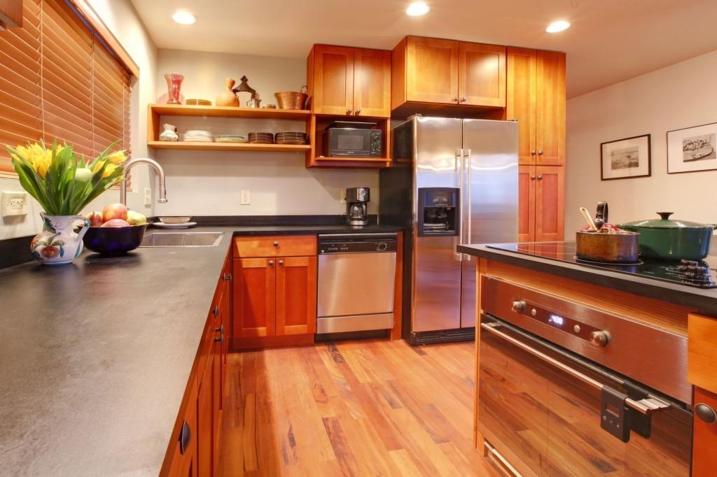 Máte skříňky v kuchyni zavěšené ve správné výšce?