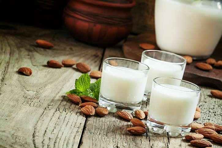 Objevte zázračné mandlové mléko, které vás omladí a posílí (Zdroj: Depositphotos)