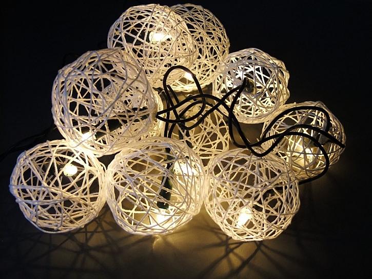 Výroba vánočního osvětlení