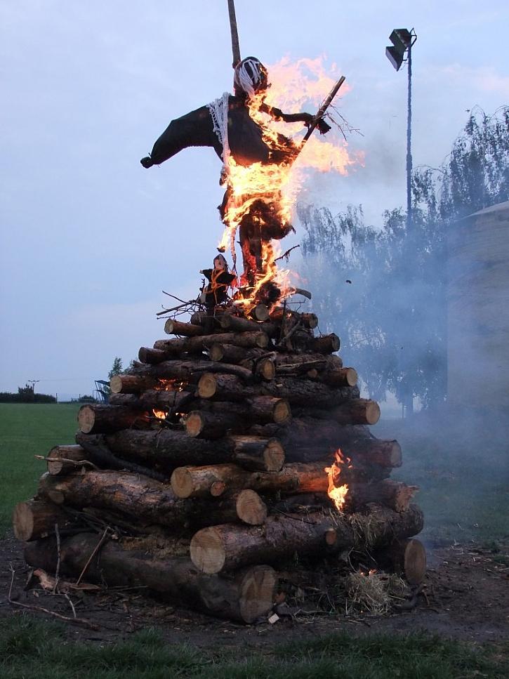 Jak se slaví pálení čarodějnic