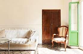 Bytové dveře nemusíte hned měnit, zvládnete je zrenovovat sami a levně