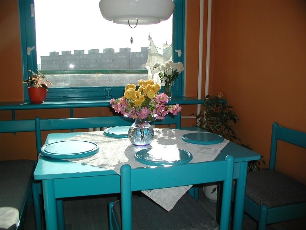 Veselé barvy v malé kuchyňce