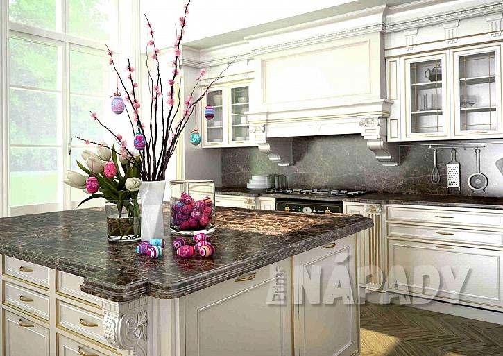 Nazdobený stůl v kuchyni