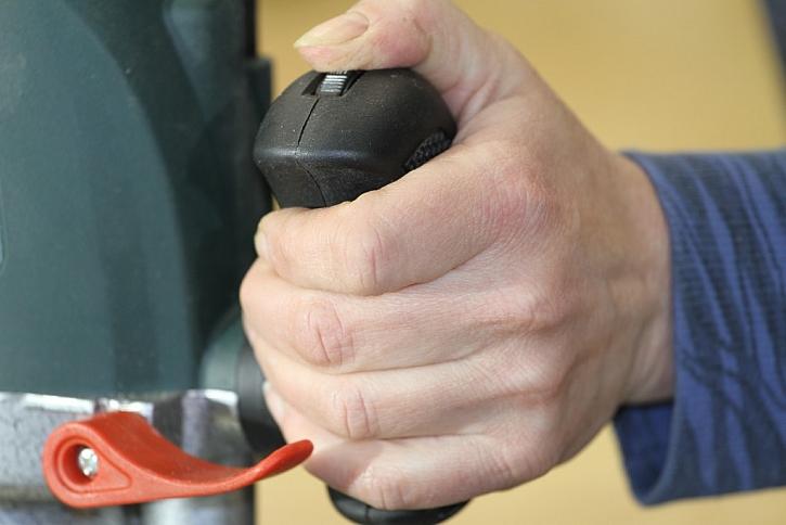Regulace rychlosti otáček přímo na rukojeti