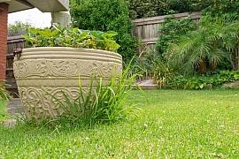 Hodí se beton do zahrady? Určitě ano!