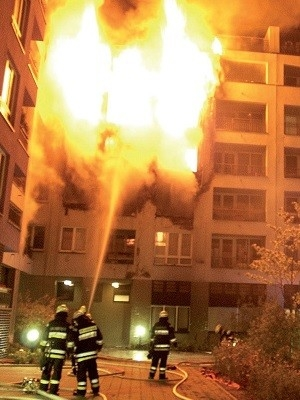 Bezpečné bydlení. Vyžadujte nehořlavé stavební materiály.
