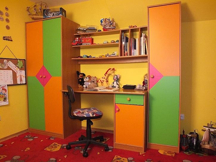 Dětský nábytek – proměna pomocí samolepicích folií