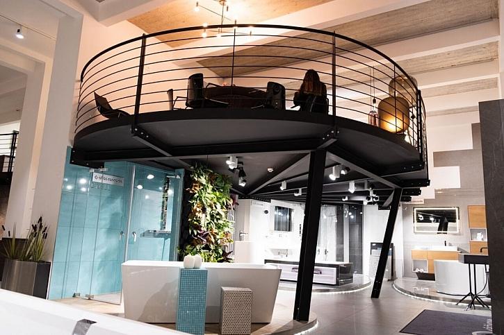 Centrum bydlení a designu Křižíkova sídlí v někdejší budově automobilky FORD