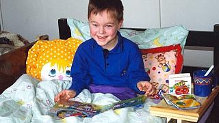 Jak vyrobit šikovnou poličku na zábradlí: Knížka nebo hračka vždy po ruce