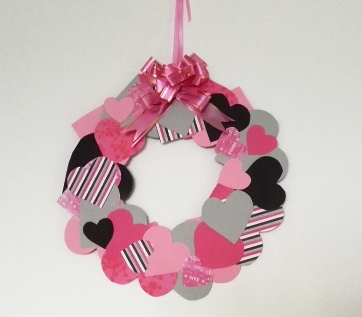 Do vyrábění dekorace na Valentýna zapojte i děti
