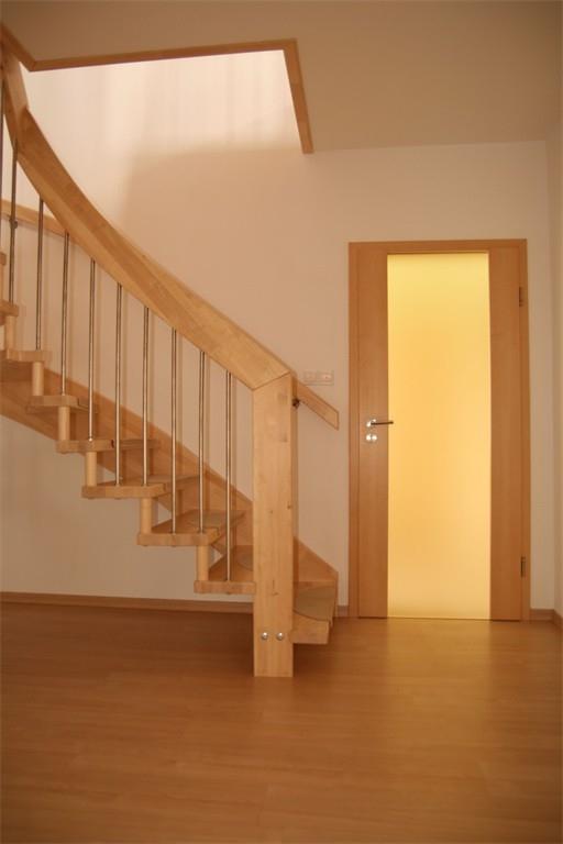 Materiál a povrch interiérových dveří