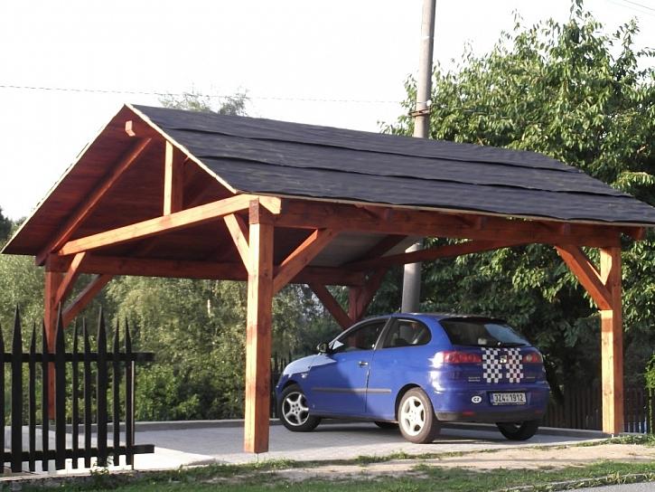 Přístřešky (carporty) a stání pro auta