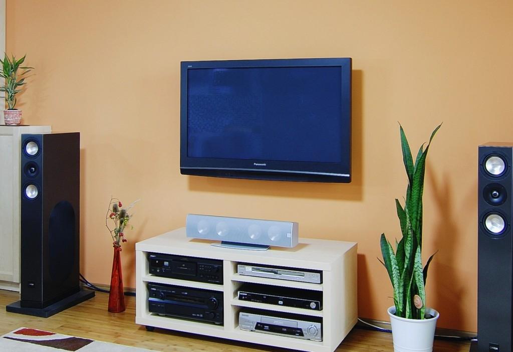 Zavěšujeme do sádrokartonu: Plochá televize