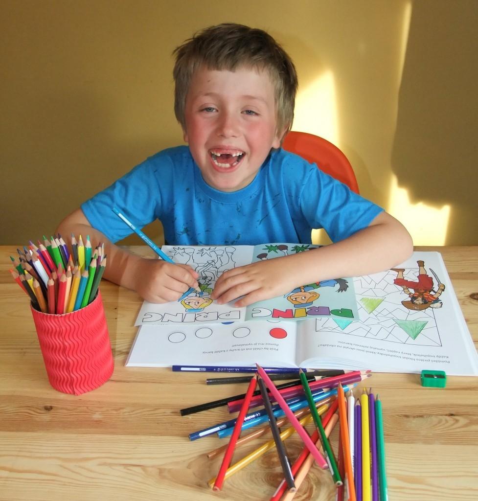 Pastelky a kouzelné lepidlo nejen pro školáky