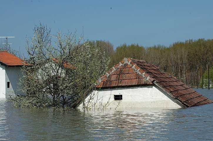 Majetkové pojištění by mělo pamatovat i na povodně a vichřice (Zdroj: Depositphotos (https://cz.depositphotos.com))