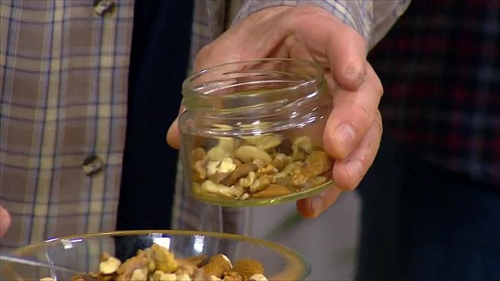 Ořechy ve skleničce