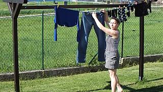 Bytelný dřevěný sušák na prádlo do zahrady