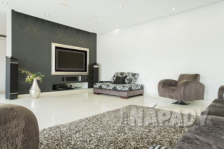 Pryskyřicová podlaha se hodí nejen do namáhaných prostor, ale i do interiérů našich domovů (Zdroj: Depositphotos.com)