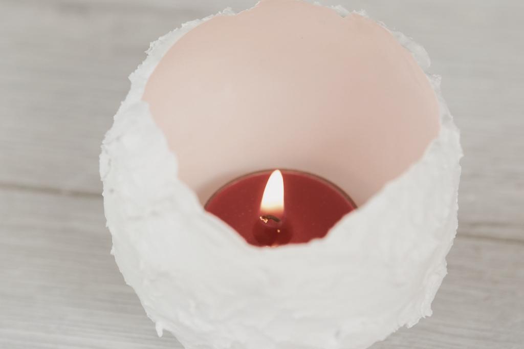 Svíčka v sádrové skořápce aneb Světýlko pro romantickou náladu