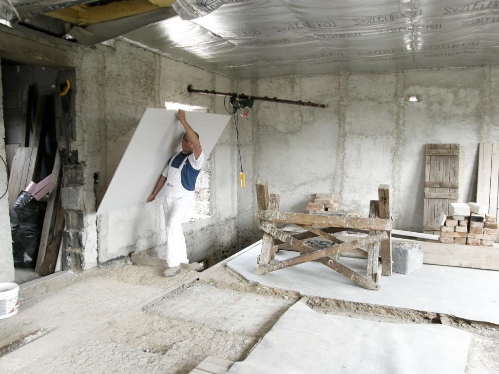 Domov jako pevnost – stěny ze sádrokartonu, které vydrží vše