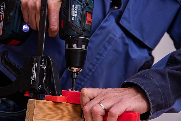 Vyvrtání otvorů pro dřevěné kolíky