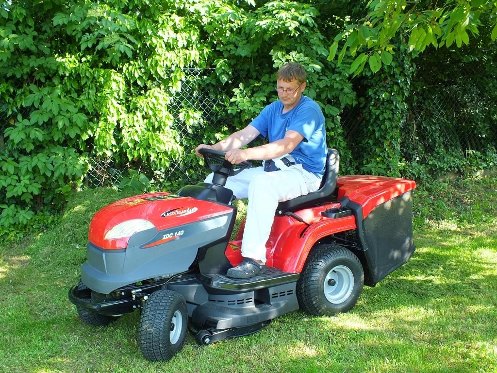 Zahradní traktůrek XDC 140 HD pro každou zahradu