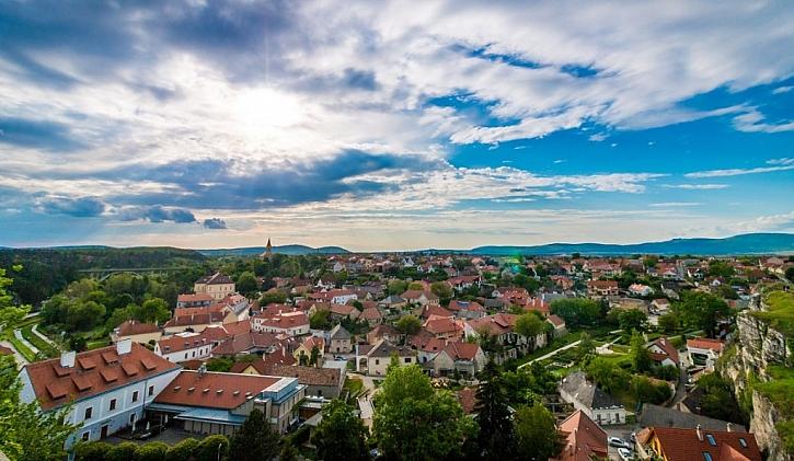Kolik může průměrná česká rodina ušetřit za elektřinu?