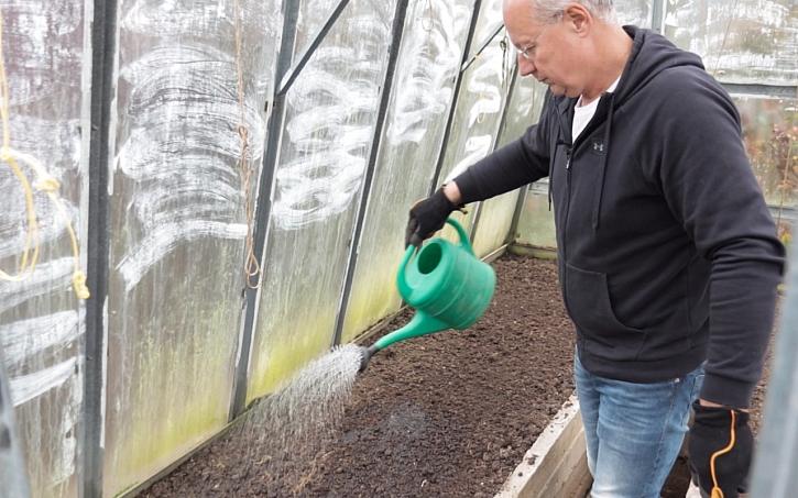 Chcete na jaře pěstovat papriky? Přidejte do půdy vápno.