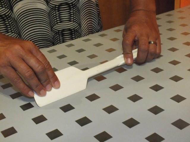 d-c-fix adhezivní folie - převlékněte skleněný stůl