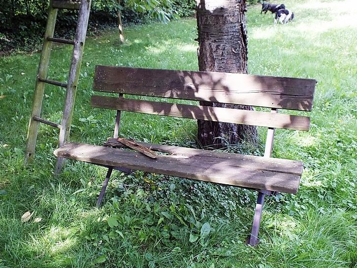 Renovace lavičky snadno a rychle - pomocí prken z Traplastu