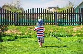 Kam s posekanou trávou? Dejte jí králíkům, do domácího kompostu nebo na bioskládku.