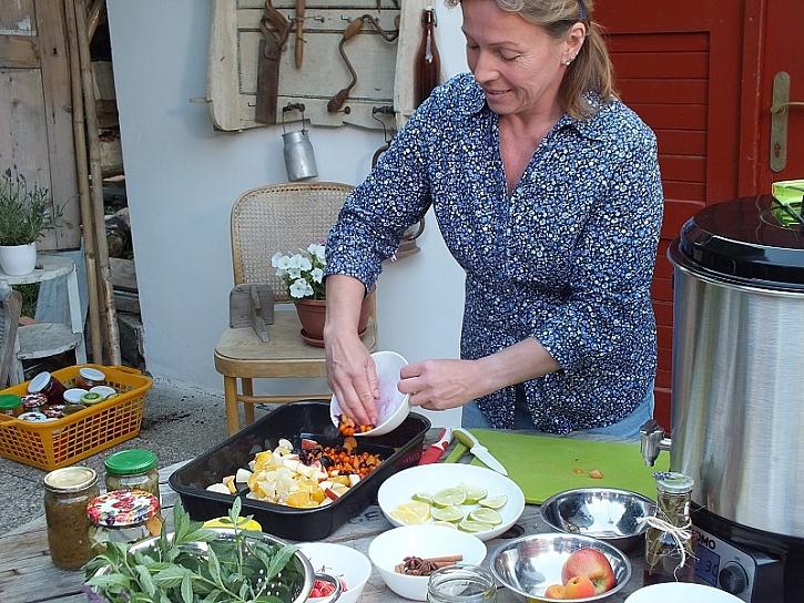 Recepty na pečený čaj a mátový i levandulový sirup