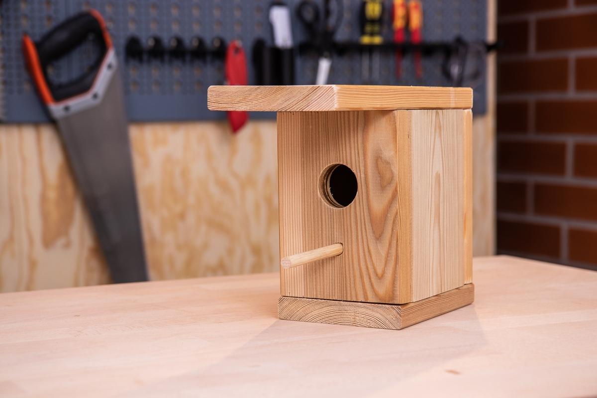 Dřevěná ptačí budka do každé zahrady