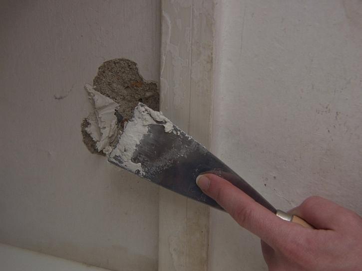 Opravy omítek před malováním