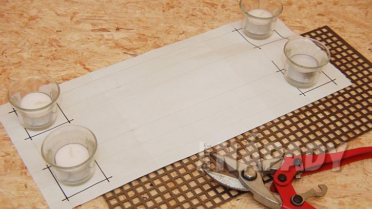 Stojánek na svíčky i ohříváček na čaj: velikost pásu přeneseme na plech