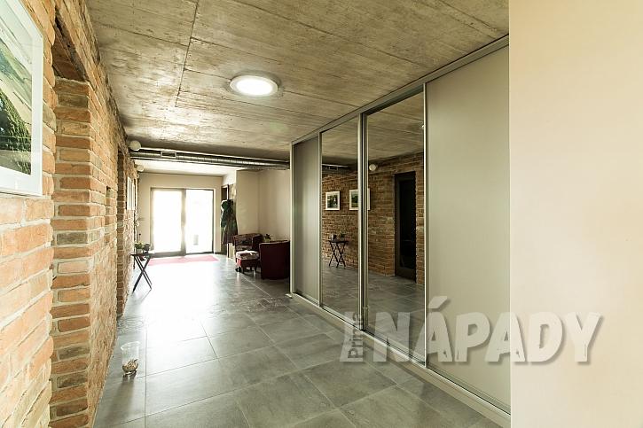 Přirozené světlo můžeme do interiéru přivést pomocí světlovodů (Zdroj: Lightway)