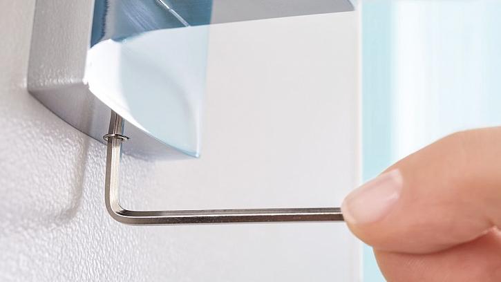 lepení koupelnových doplňků 5