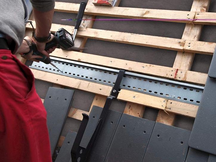 Nové střešní bezpečnostní prvky ochrání životy a vyhoví normám