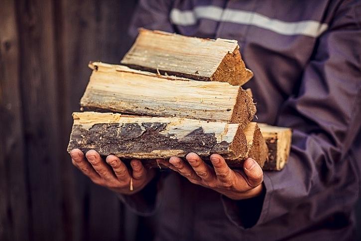 Tvrdé dřevo má podstatně vyšší výhřevnost