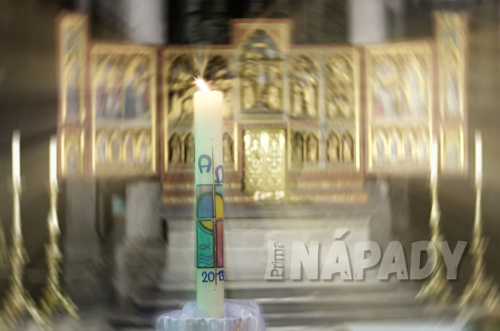 Svíčka v kostele