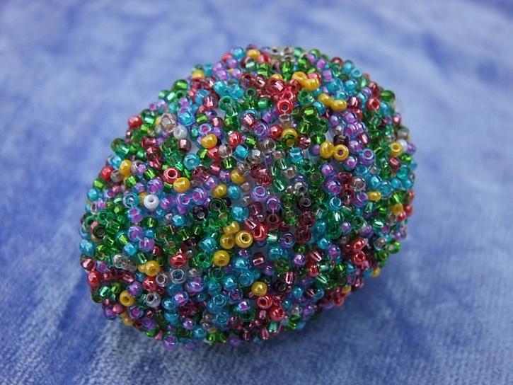 Zdobení velikonočních vajíček - korálková síťka