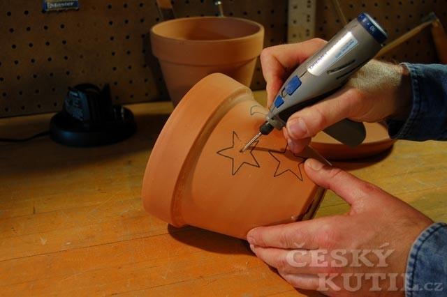 Výroba keramické venkovní svítilny