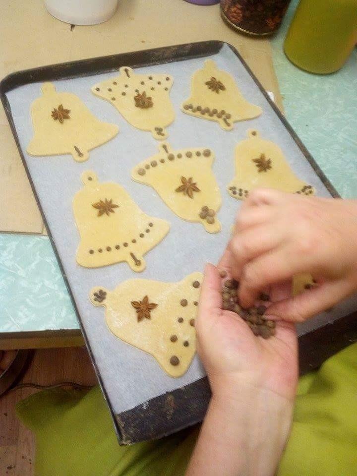Recept na vánoční perníčky s bílkovou polevou