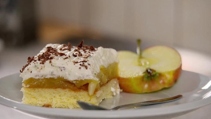 Recept na jablečné řezy s tvarohovou šlehačkou