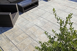 Nová terasa je pýchou každé zahrady